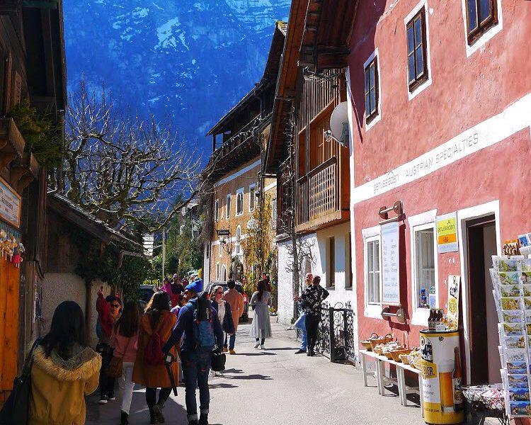 Overtourism at Hallstatt